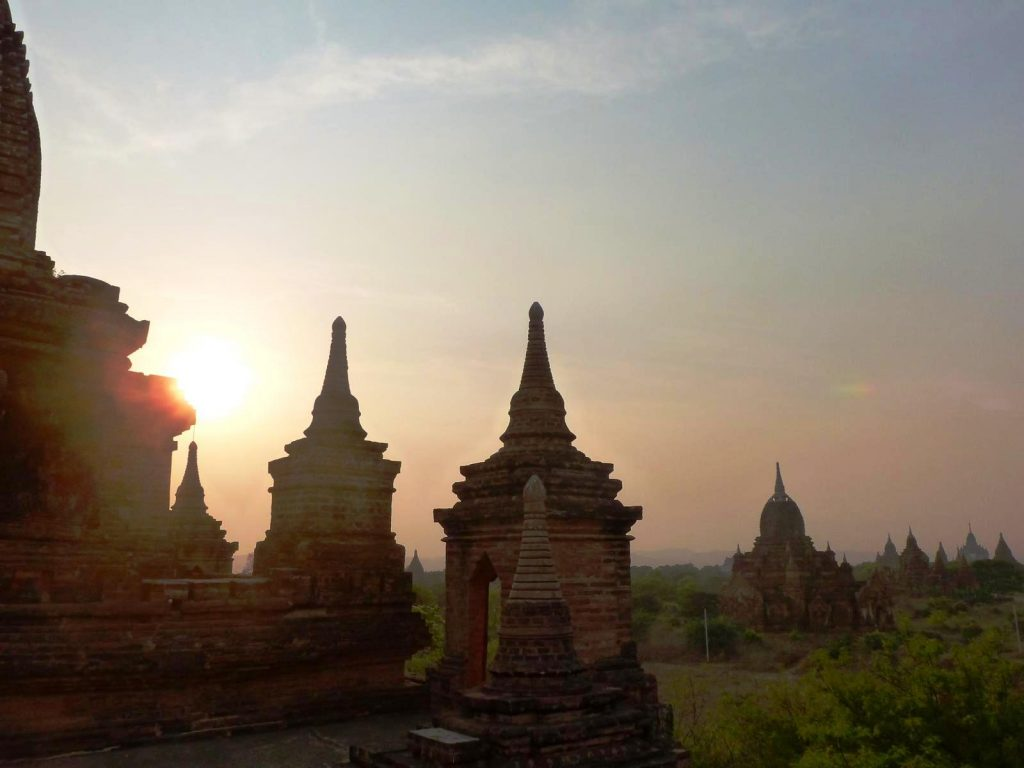 Sunset Bagan, Myanmar (Photo: Faszination Fernost/B. Linnhoff)