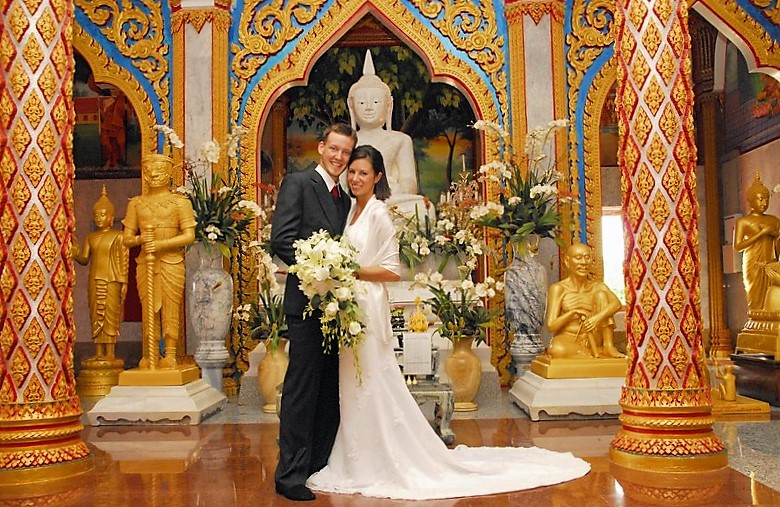 Thailand wedding in a temple