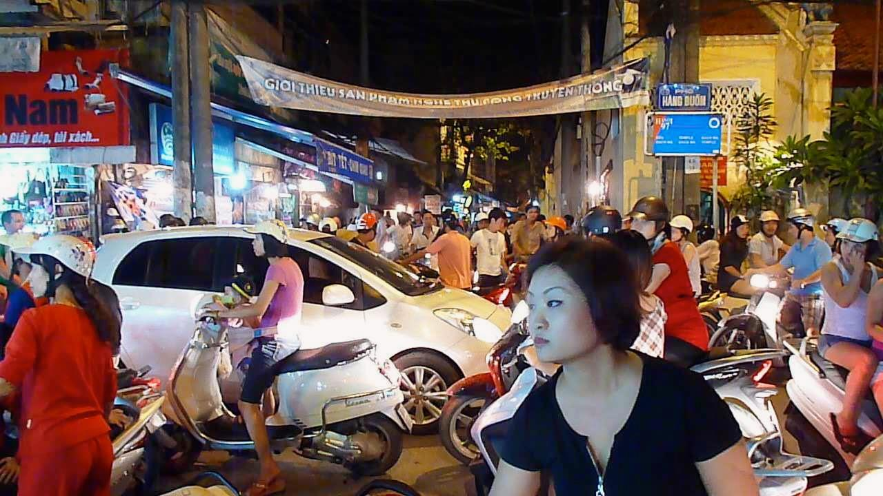 Good night, Vietnam: Hanoi ohne Mopeds