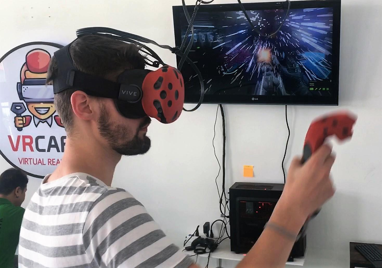 Die Planke ins Nichts: Virtual Reality in Chiang Mai