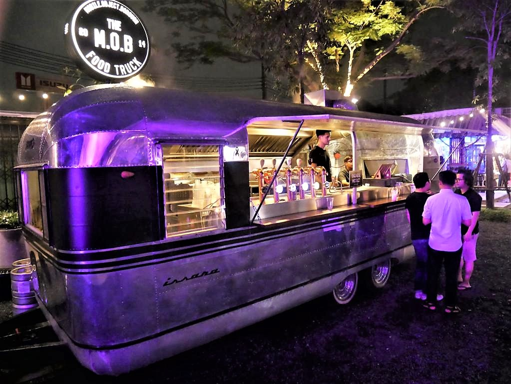 Food truck in Chang Chui, Bangkok (Photo Faszination Fernost)